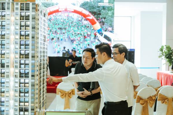 Doanh nghiệp địa ốc bắt đầu bung hàng dịp cuối năm - Ảnh 1.