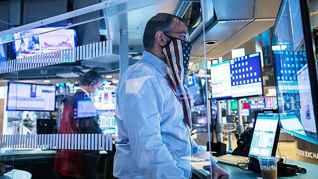 Tin vaccine Covid-19 ảnh hưởng thế nào đến thị trường năm 2021 - Ảnh 1.