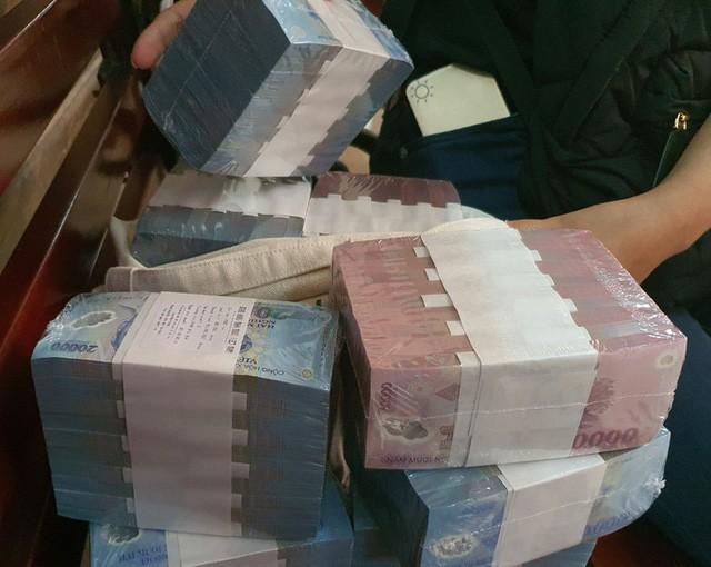 Fitch Ratings: Ngân hàng Việt Nam có dấu hiệu phục hồi thuận lợi sau dịch - Ảnh 1.
