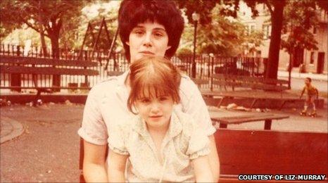 Cuộc đời được dựng thành phim của Liz Murray: Sống vô gia cư, cha mẹ nghiện ngập, phải ăn kem đánh răng chống đói đến sinh viên đại học Harvard  - Ảnh 1.