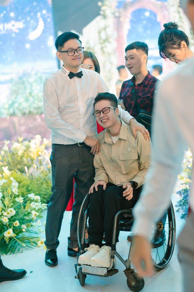 """Chàng trai đi phượt bằng xe lăn, chinh phục những con đèo hiểm trở nhất Việt Nam: """"Mất 10 năm định nghĩa hai từ """"tự do"""" bằng cách chưa ai từng làm!"""" - Ảnh 19."""