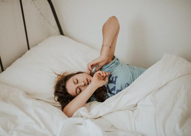 Khoa học bảo: Ngủ trưa bao nhiêu lâu là đủ giấc? - Ảnh 2.