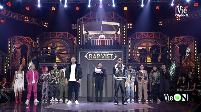 Rap Việt lập kỷ lục 1,12 triệu người xem trực tuyến: Gấp 5 lần thành tích của Độ Mixi, mang về cả chục tỷ đồng từ YouTube  - Ảnh 1.