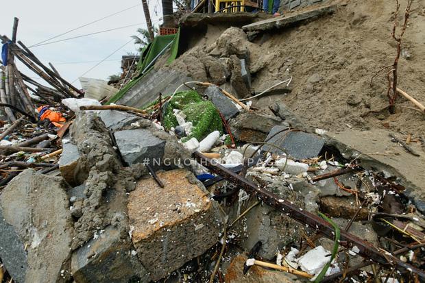 Biển An Bàng (Hội An) tan tác sau cơn bão số 13, du lịch ảnh hưởng nặng nề - Ảnh 10.
