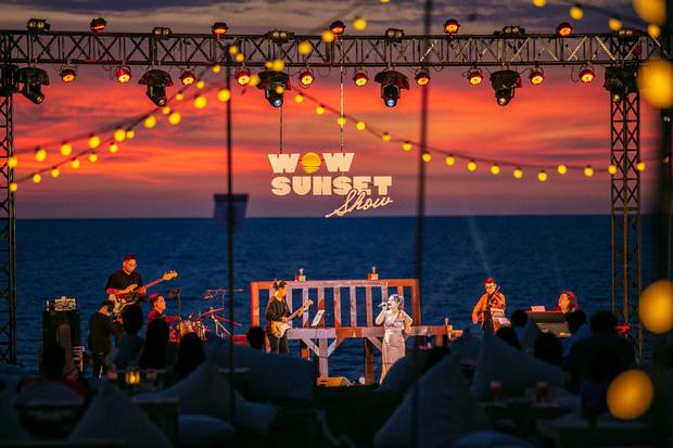 Wow Sunset Show: Bữa tiệc âm nhạc ấn tượng, đưa khán giả sống chậm đúng nghĩa và thả mình trôi theo dòng giai điệu - Ảnh 1.