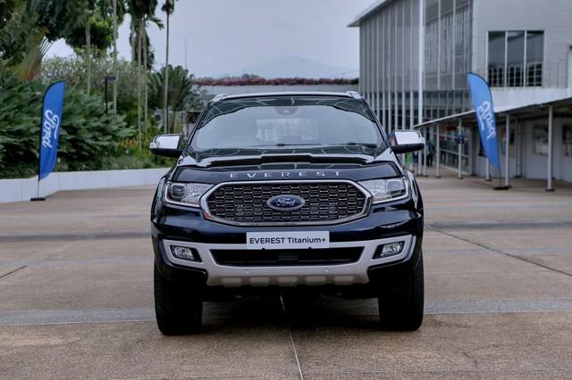 Ford Everest 2021 về Việt Nam cuối tháng 11: Đẹp hơn, nâng cấp để bám đuổi Hyundai Santa Fe và Toyota Fortuner - Ảnh 5.
