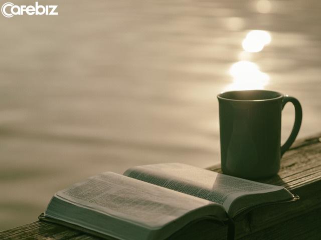 Dậy sớm và dậy muộn cũng có thể cho ra 2 cuộc đời khác nhau: Dậy sớm trước khi trời sáng hẳn là một thói quen tốt cho sức khỏe, tài phú và trí tuệ  - Ảnh 1.