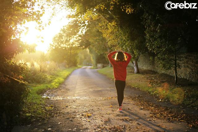 Dậy sớm và dậy muộn cũng có thể cho ra 2 cuộc đời khác nhau: Dậy sớm trước khi trời sáng hẳn là một thói quen tốt cho sức khỏe, tài phú và trí tuệ  - Ảnh 2.
