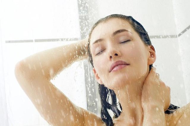 Đây đích thị là 5 thói quen tắm bạn không nên tiếp diễn hằng ngày nữa - Ảnh 1.