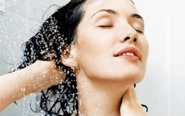 Đây đích thị là 5 thói quen tắm bạn không nên tiếp diễn hằng ngày nữa - Ảnh 2.