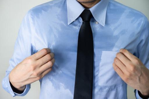 Đổ mồ hôi nhiều bất thường có thể là dấu hiệu của hàng loạt bệnh: Khi nào cần gặp bác sĩ? - Ảnh 1.