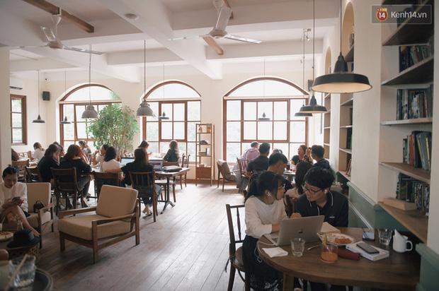Tranh cãi nảy lửa về việc đưa trẻ con vào quán cà phê gây ồn, ảnh hưởng đến người khác: Có cần nhận được sự thông cảm? - Ảnh 1.
