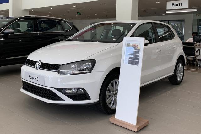 Volkswagen giảm giá gần 180 triệu đồng: Tiguan Allspace, Passat cạnh tranh GLB, C-Class bằng giá 'mềm' - Ảnh 4.
