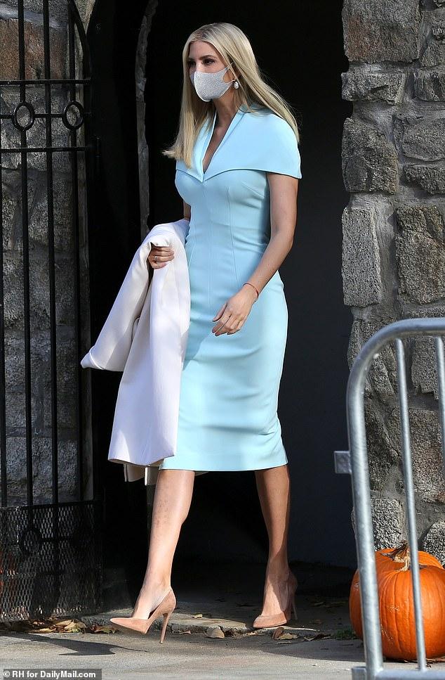 Nữ thần Ivanka Trump vừa xuất hiện đã chiếm spotlight với vẻ đẹp hoàn mỹ, thần thái hút hồn sau khi chia sẻ điều thú vị về ông Donald Trump - Ảnh 2.