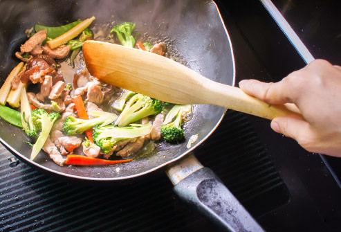 List thực phẩm ăn sống là tốt nhất và list thực phẩm nấu chín mới tốt: Biết để tận dụng nhiều dưỡng chất nhất! - Ảnh 8.