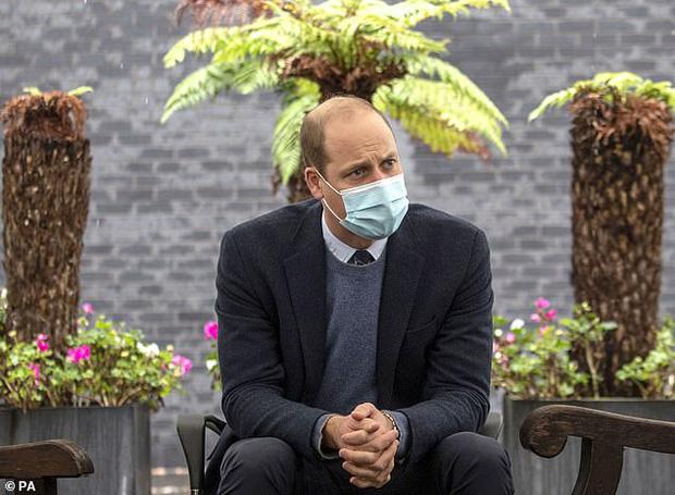 Hoàng tử William khiến công chúng ngỡ ngàng khi tiết lộ từng nhiễm Covid-19, triệu chứng khó thở nặng đến mức gia đình vô cùng hoảng loạn - Ảnh 1.