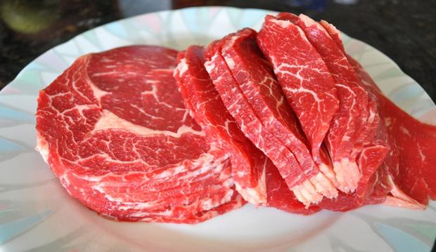 Khi mua thịt bò cần né ngay 3 loại dễ gây hại sức khỏe, bởi có thể 80% nó là thịt bò giả - Ảnh 2.