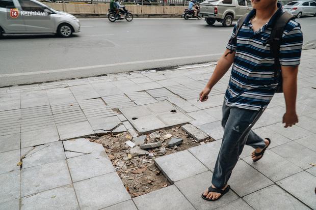 Nhiều tuyến phố Hà Nội lát đá thương hiệu 70 năm đã hư hỏng nghiêm trọng: KTS chỉ ra 4 nguyên nhân chính - Ảnh 2.