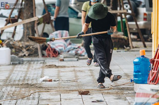 Nhiều tuyến phố Hà Nội lát đá thương hiệu 70 năm đã hư hỏng nghiêm trọng: KTS chỉ ra 4 nguyên nhân chính - Ảnh 15.