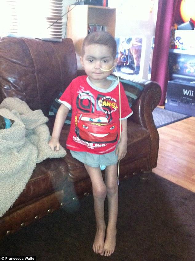 Con trai 2 tuổi bị ung thư máu hiếm gặp, khi bác sĩ nói hết cách chữa người mẹ chấp nhận cứu con bằng phương pháp điều trị ung thư chưa từng áp dụng cho trẻ em - Ảnh 5.