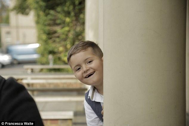 Con trai 2 tuổi bị ung thư máu hiếm gặp, khi bác sĩ nói hết cách chữa người mẹ chấp nhận cứu con bằng phương pháp điều trị ung thư chưa từng áp dụng cho trẻ em - Ảnh 9.