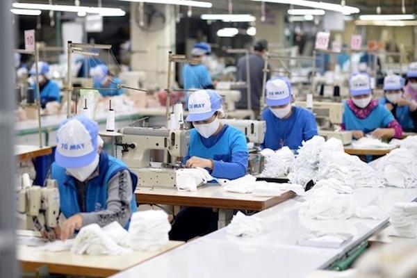 Dự báo xuất khẩu dệt may sẽ về đích 34 tỷ USD - Ảnh 1.