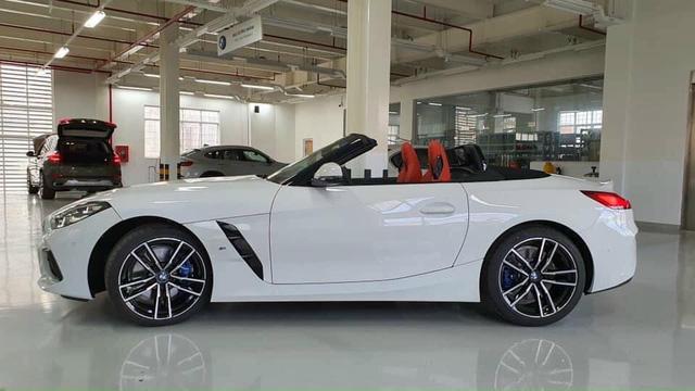Lộ BMW Z4 2020 đầu tiên do THACO nhập tại đại lý: Xe chơi mui trần giá hơn 3,3 tỷ đồng, cạnh tranh xe nhập tư vừa về - Ảnh 1.