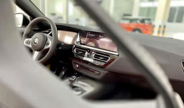 Lộ BMW Z4 2020 đầu tiên do THACO nhập tại đại lý: Xe chơi mui trần giá hơn 3,3 tỷ đồng, cạnh tranh xe nhập tư vừa về - Ảnh 9.