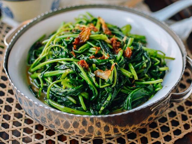 2 món rau nằm trong danh sách gây ung thư bảng A mà người Việt cần phải từ bỏ ngay, riêng món thứ hai được WHO cảnh báo tăng nguy cơ gây ung thư dạ dày - Ảnh 1.