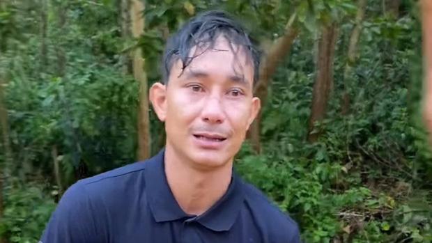 Người đàn ông bật khóc xin đi nhờ xe về với vợ con ở Trà Leng: Lúc đó tiền không quan trọng, vợ con mới quan trọng nhất thế giới  - Ảnh 4.