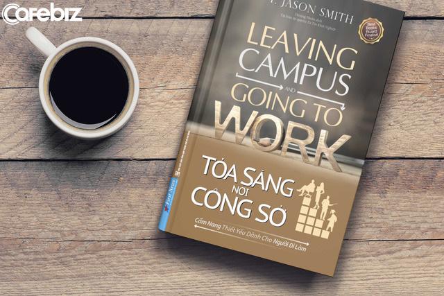 Chuyên gia nhân sự chia sẻ 4 bí quyết giúp sinh viên mới ra trường sớm thăng tiến nơi công sở  - Ảnh 1.
