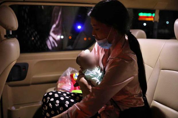 """Những chuyến xe đi đến """"hang cùng, ngõ hẻm"""" Hà Nội với cước phí là nụ cười của những bệnh nhân nghèo - Ảnh 15."""