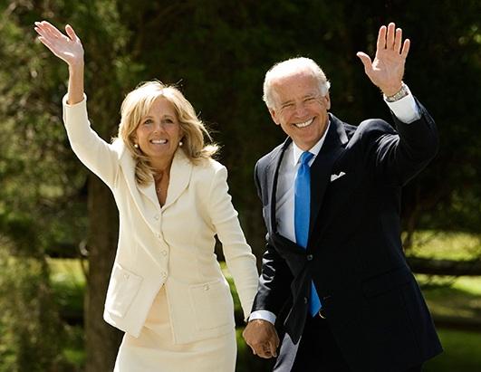 Đệ nhất phu nhân Mỹ Jill Biden: Tiến sĩ giáo dục với sự nghiệp dạy học đáng ngưỡng mộ, thích chơi khăm và từng đến Việt Nam năm 2015 để làm điều này - Ảnh 4.