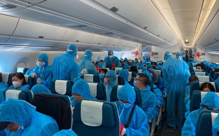Đưa hơn 340 công dân Việt Nam từ Đức và Romania về nước