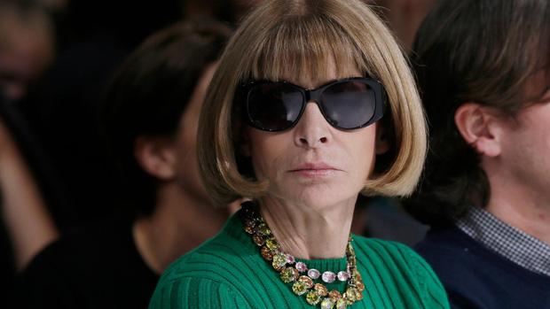 Bà hoàng Vogue: Nữ vương cai trị làng thời trang thế giới với những mật mã thép và bí ẩn phía sau mái tóc kinh điển không đổi hơn 50 năm - Ảnh 13.
