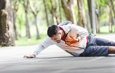 Tập thể dục có gây đột quỵ không? Bác sĩ Việt tại Mỹ chỉ ra lưu ý sống còn để bảo vệ sức khỏe khi vận động - Ảnh 1.