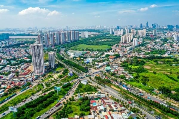 Có tầm 2 tỷ đồng, năm 2021 nên đầu tư vào nhà ngoại ô, đất dự án hay đất khu công nghiệp? - Ảnh 1.