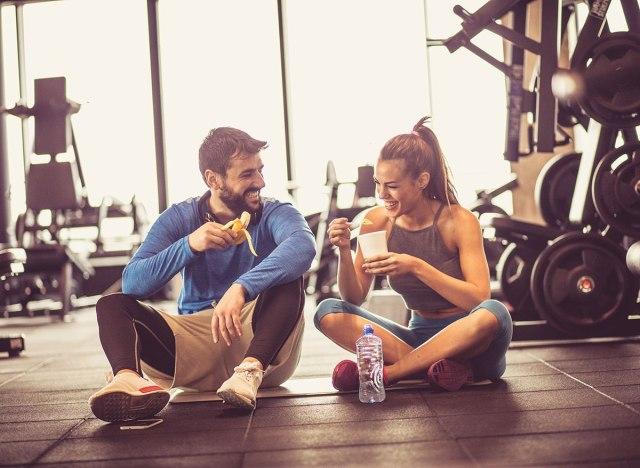 Ăn chuối mỗi ngày hưởng đủ lợi ích: Tiêu hóa khỏe, mắt sáng, cơ thể tràn năng lượng - Ảnh 1.