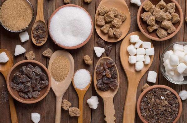Sau 50 tuổi là giai đoạn quan trọng của tuổi thọ, ăn ít 4 loại thực phẩm này sẽ tốt cho mạch máu, tuổi thọ tăng cả chục năm  - Ảnh 4.