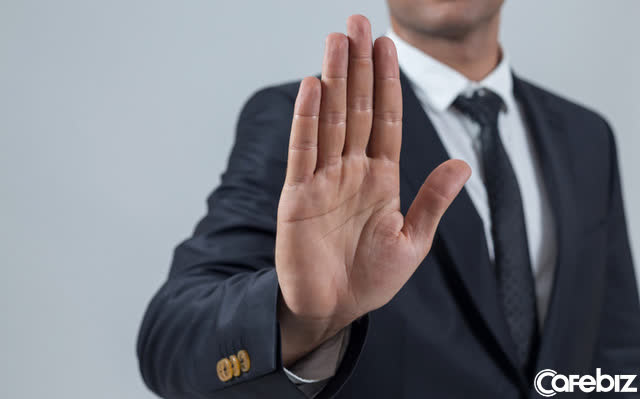 Quy tắc cơ bản nhất trong xã giao: Thay vì ĐÃ XEM rồi ậm ờ không trả lời lại, chi bằng thẳng thắn từ chối  - Ảnh 1.