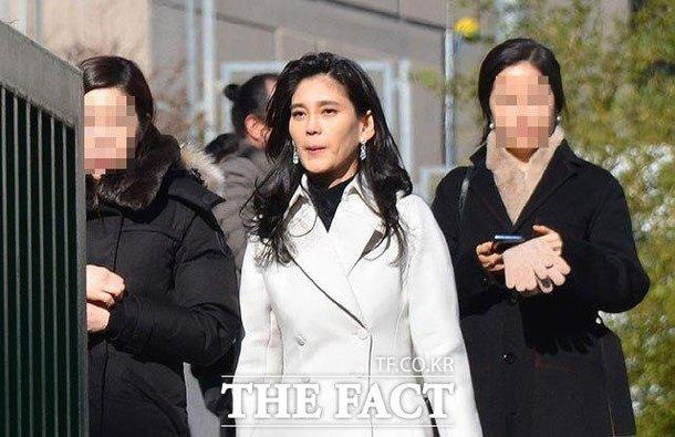 Sở hữu tài sản gần 40 nghìn tỷ đồng, quyền lực thét ra lửa nhưng công chúa Samsung bỗng khiến nhiều bà mẹ đồng cảm vì 1 hành động với con - Ảnh 2.