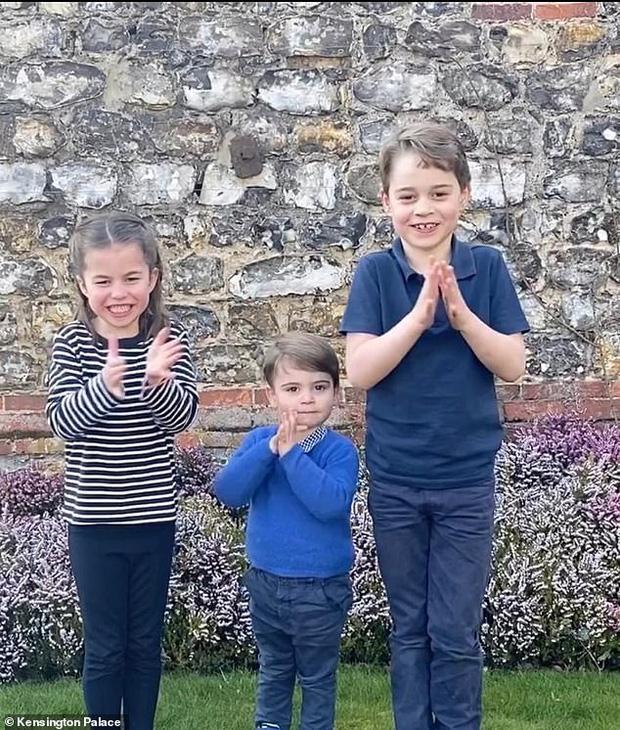 Nhìn lại năm 2020 của Hoàng gia Anh qua loạt ảnh nhiều like nhất: Những đứa trẻ nhà Công nương Kate nằm top, Meghan - Harry cũng có phần - Ảnh 1.