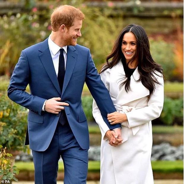 Nhìn lại năm 2020 của Hoàng gia Anh qua loạt ảnh nhiều like nhất: Những đứa trẻ nhà Công nương Kate nằm top, Meghan - Harry cũng có phần - Ảnh 2.