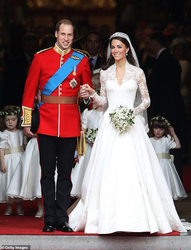 Nhìn lại năm 2020 của Hoàng gia Anh qua loạt ảnh nhiều like nhất: Những đứa trẻ nhà Công nương Kate nằm top, Meghan - Harry cũng có phần - Ảnh 6.