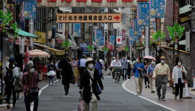 Bóng ma ám ảnh người Nhật: Đất nước sắp thừa vaccine cho toàn bộ dân số, nhưng họ phải vượt qua ký ức kinh hoàng đang còn đó - Ảnh 4.
