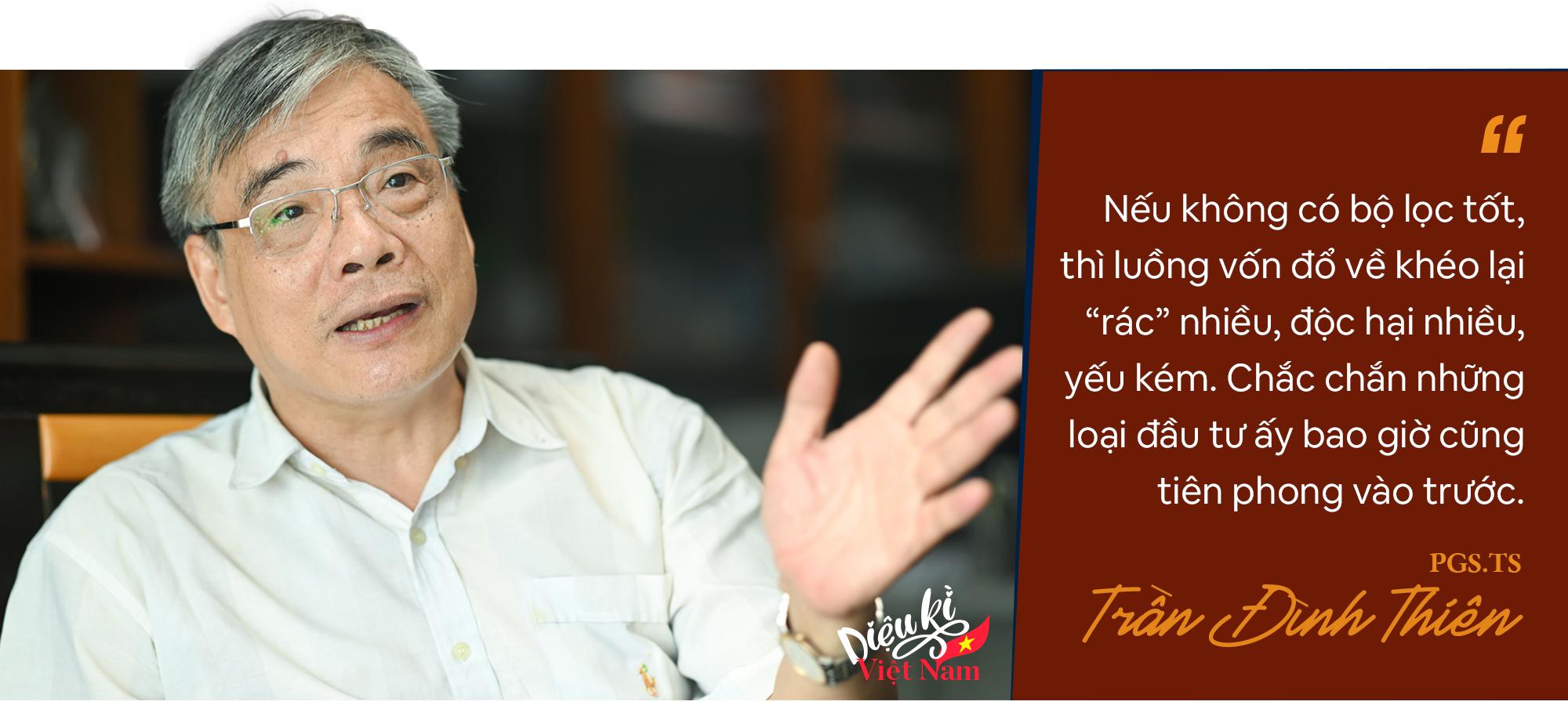 PGS.TS Trần Đình Thiên: Phải coi Vingroup, Thaco… là những tập đoàn lãnh sứ mệnh quốc gia chứ không chỉ tài sản riêng của ông nọ, ông kia! - Ảnh 6.
