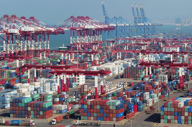 Cước vận chuyển tăng chóng mặt, doanh nghiệp xuất khẩu khóc ròng - Ảnh 1.