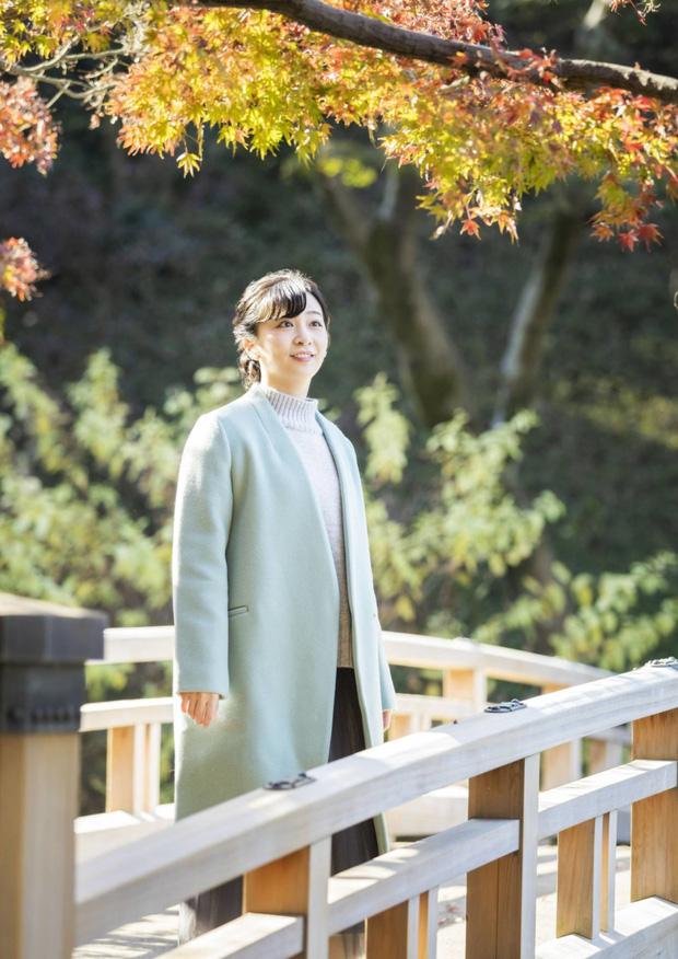 Công chúa xinh đẹp nhất Hoàng gia Nhật gây sốt với nhan sắc ngày càng lên hương, ăn vận đơn giản cũng tỏa ra khí chất hoàng tộc nổi bần bật - Ảnh 2.