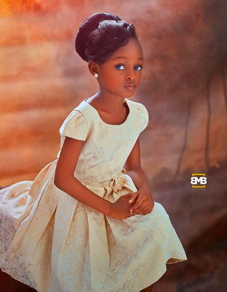 Bất ngờ đổi đời sau loạt ảnh 2 năm trước, Cô bé châu Phi đẹp nhất thế giới giờ vẫn đẹp nao lòng nhưng cách cha mẹ dạy dỗ mới đáng chú ý - Ảnh 6.