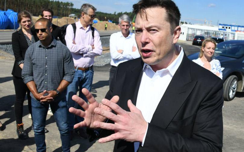 Elon Musk gửi thư cho nhân viên: Cổ phiếu Tesla sẽ bị nghiền nát như bánh xốp dưới búa tạ nếu không kiểm soát tốt chi phí